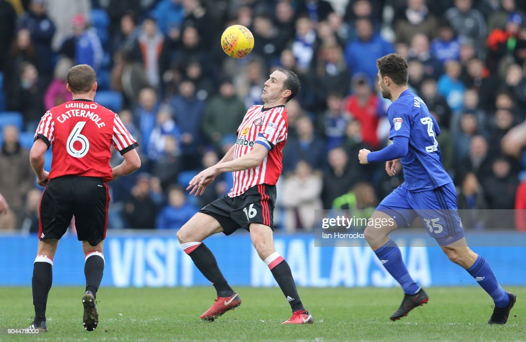John O,Shea of Sunderland (C) controls the ball during the Sky Bet Championship match between Cardiff City and Sunderland at Cardiff City Stadium on January 13, 2018 in Cardiff, Wales.