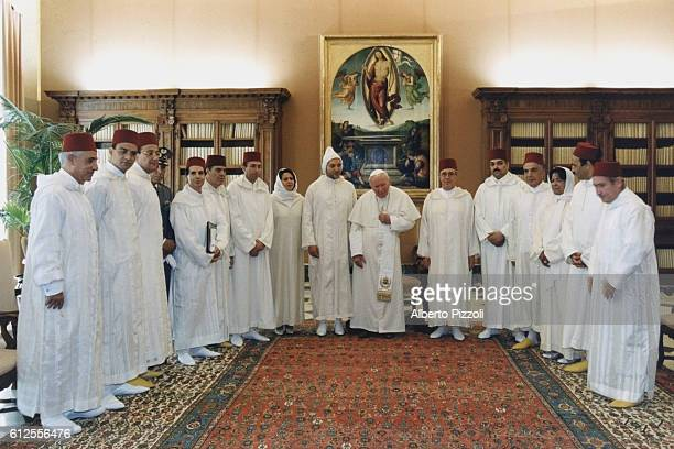 John Paul II with Mohamed VI and other dignitaries