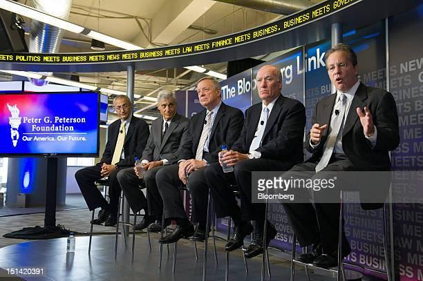 John Podesta chairman of the Center for American Progress left to right Robert Rubin cochairman of the Council on Foreign Relations US Senator...