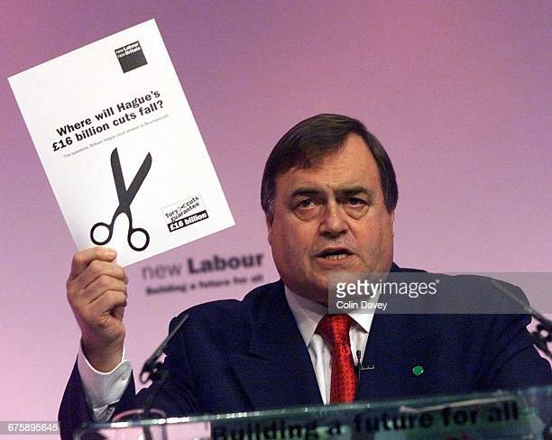 John Prescott addresses the Labour Party Conference on its final day Brighton, 28th September 2000.