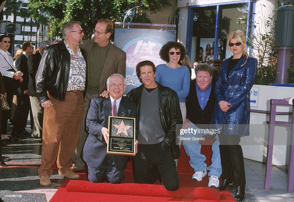 Ted Danson Honored with a Star on the Hollywood Walk of Fame : Nachrichtenfoto