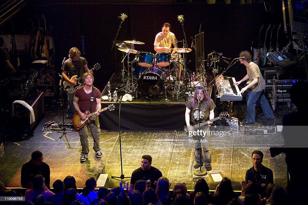 Goo Goo Dolls in Concert at the Avalon in New York City - April 24, 2006