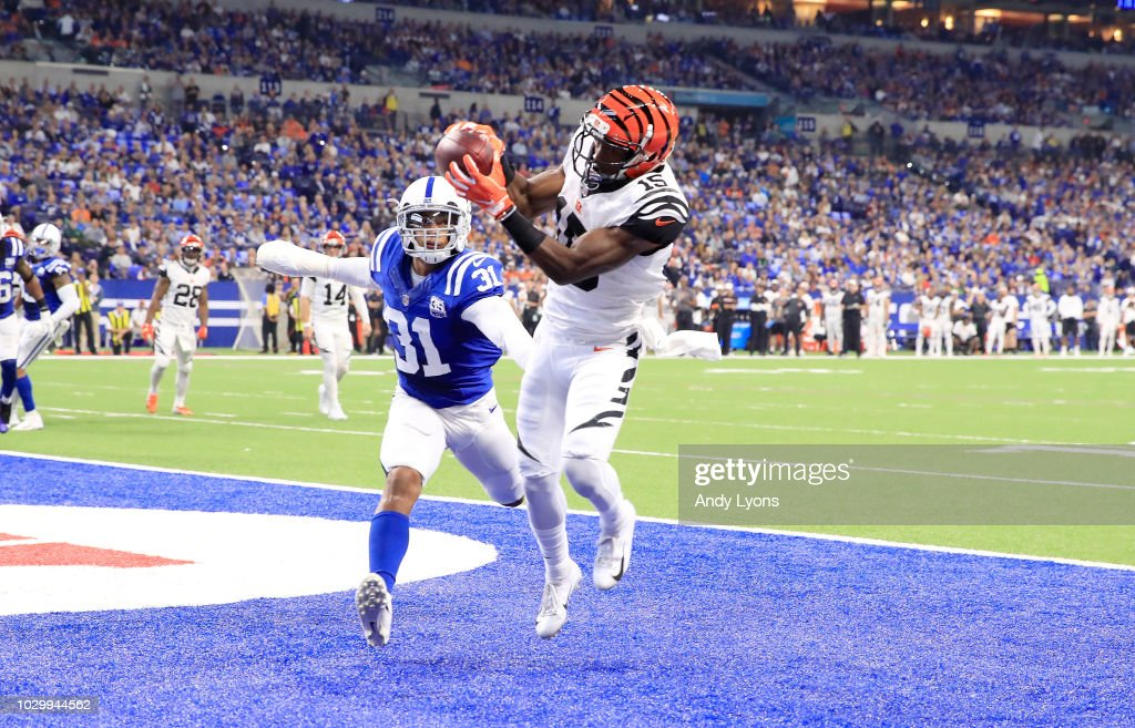 Cincinnati Bengals v Indianapolis Colts : News Photo