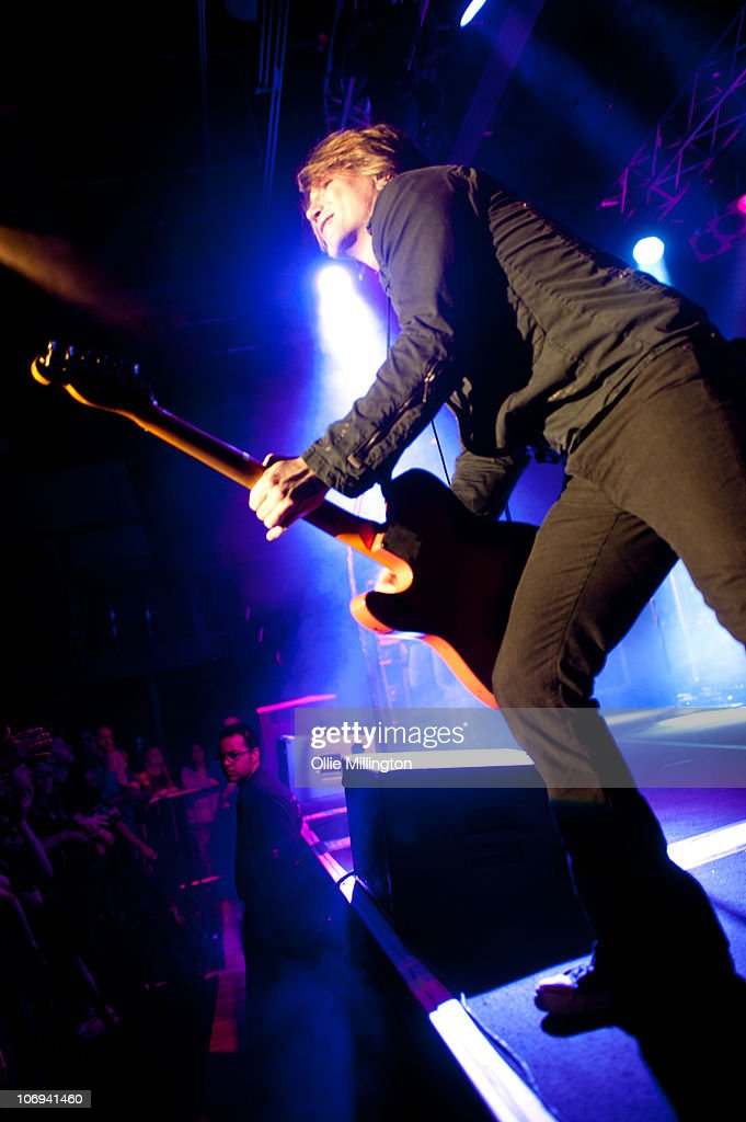 John Rzeznik of Goo Goo Dolls performs on the edge of the stage at O2 Academy on November 17, 2010 in Leicester, England.