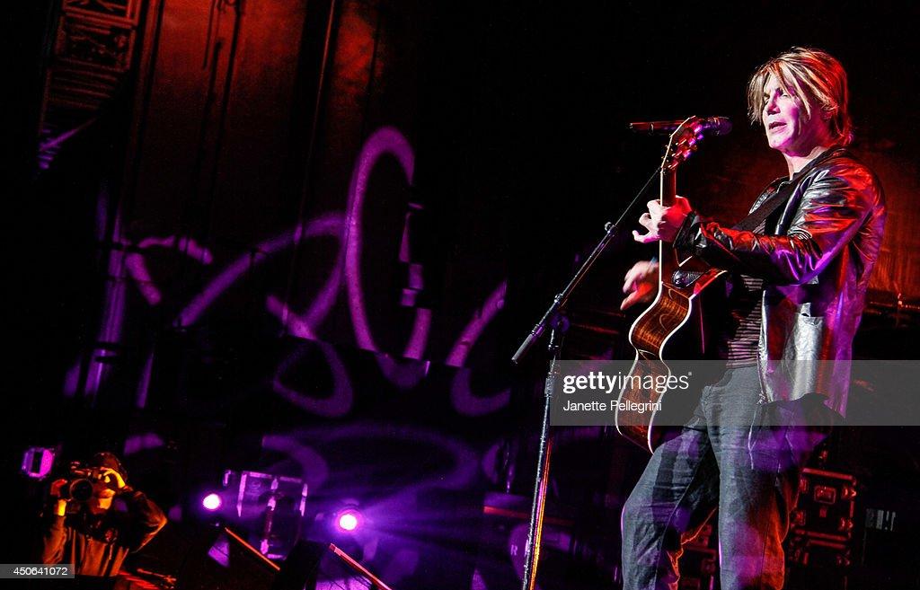 John Rzeznik of The Goo Goo Dolls performs in concert at Nikon at Jones Beach Theater on June 14, 2014 in Wantagh, New York.