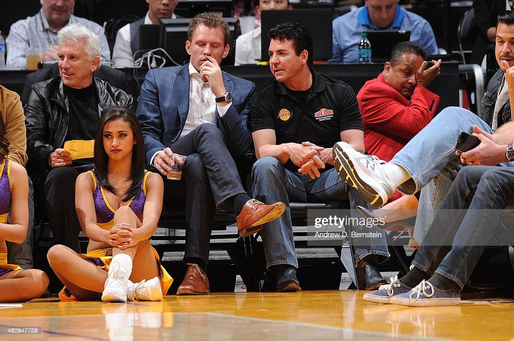Dallas Mavericks v Los Angeles Lakers : Foto jornalística