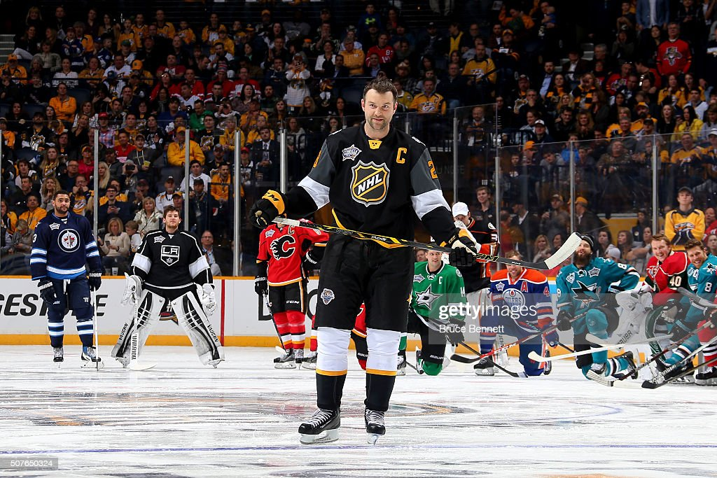 2016 Honda NHL All-Star Skill Competition - AMP Energy NHL Hardest Shot : News Photo