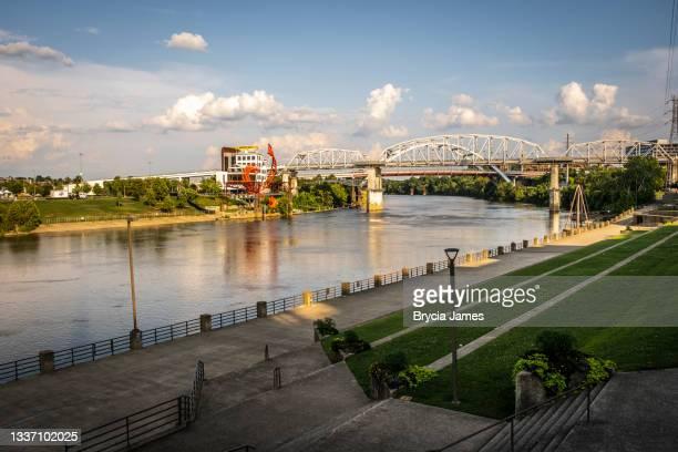 john seigenthaler pedestrian bridge in nashville - brycia james stock pictures, royalty-free photos & images