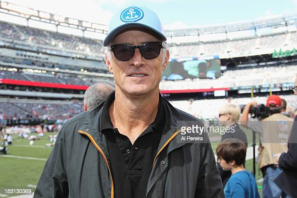 John Slattery attends the San Francisco 49ers vs New York Jets game at MetLife Stadium on September 30, 2012 in East Rutherford, New Jersey.