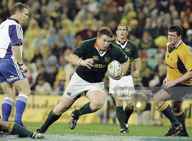 John Smit runs with the ball during the Tri Nations match between Australia and South Africa at Suncorp Stadium on July 15 2006 in Brisbane Australia