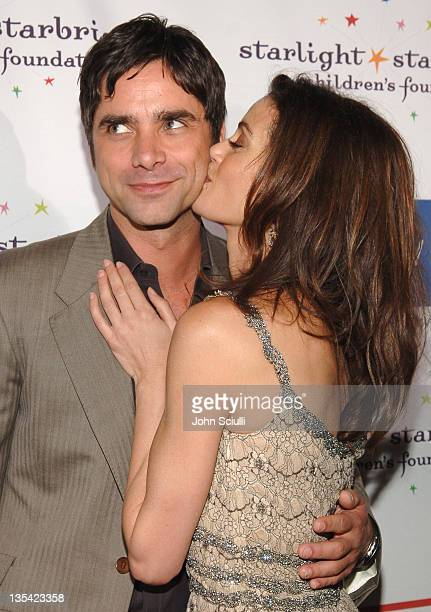 John Stamos and Teri Hatcher during Starlight Starbright Children's Foundation Honor Dakota Fanning at A Stellar Night Gala Red Carpet and Inside at...