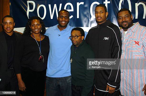 John Starks Kym Hampton Malik Rose Spike Lee Trevor Ariza and Kiss FM DJ Talent