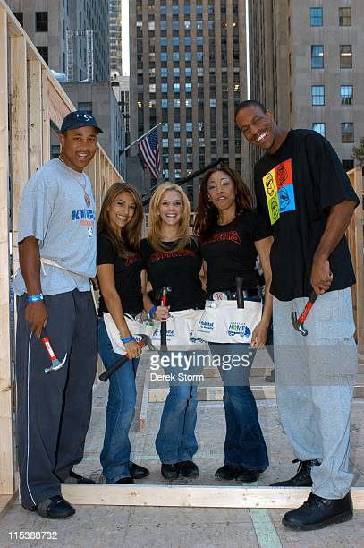 John Starks the Knick girls and Jerome Williams of the NY Knicks