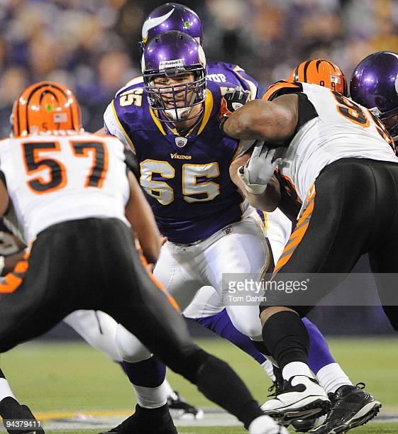 John Sullivan of the Minnesota Vikings blocks during an NFL game against the Cincinnati Bengals at the Mall of America Field at Hubert H Humphrey...