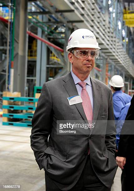 John Surma chairman and chief executive officer of United States Steel Corp tours the Continuous Annealing Line at the PROTEC Coating Co facility in...