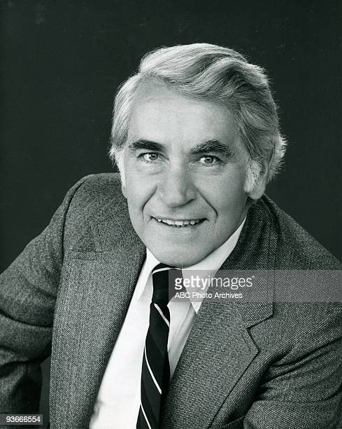 BACK KOTTER John Sylvester White Portrait Pilot 9/9/75 John Sylvester White played Mr Woodman the assistant principal at James Buchanan High School...