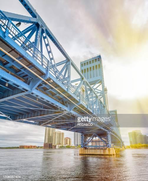 John T. Alsop Jr. Bridge in Jacksonville, FL. It is a bridge crossing the St. Johns River ..