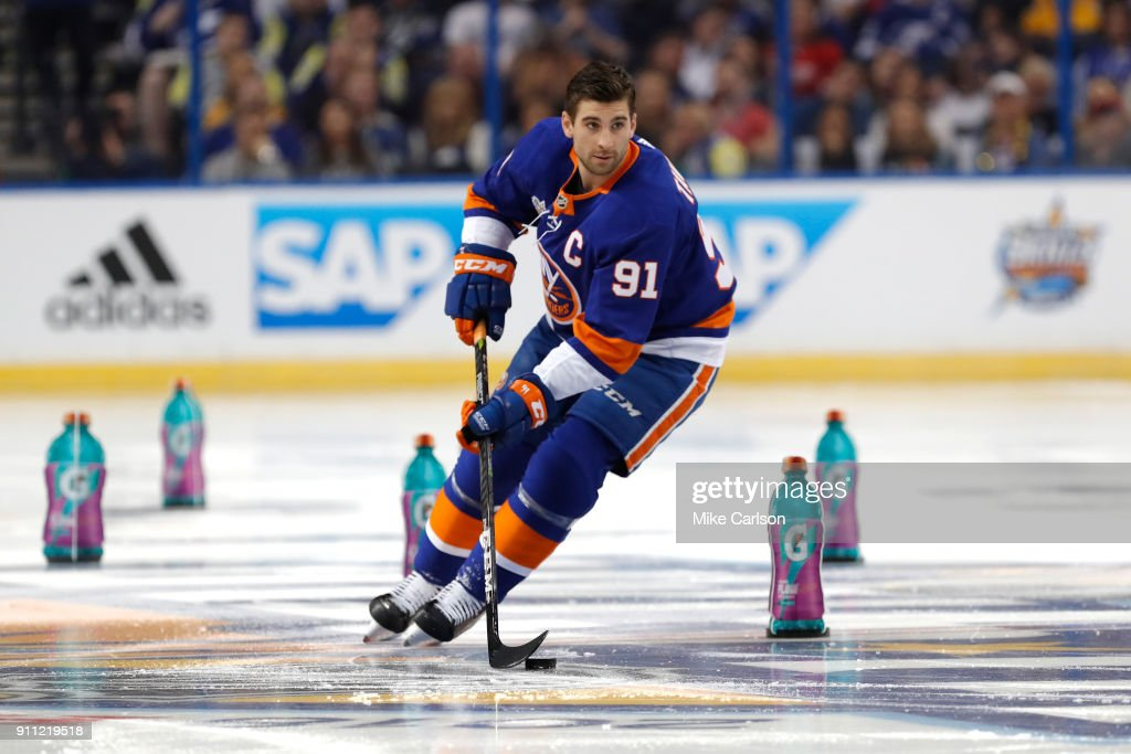 2018 GEICO NHL All-Star Skills Competition - Puck Control Relay : News Photo
