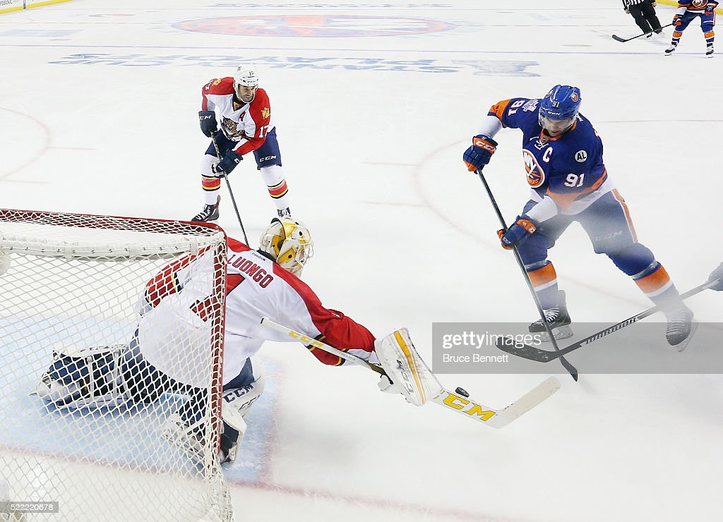 Florida Panthers v New York Islanders - Game Three : News Photo