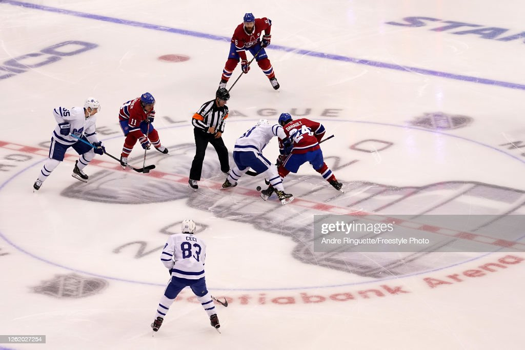Toronto Maple Leafs v Montreal Canadiens : News Photo