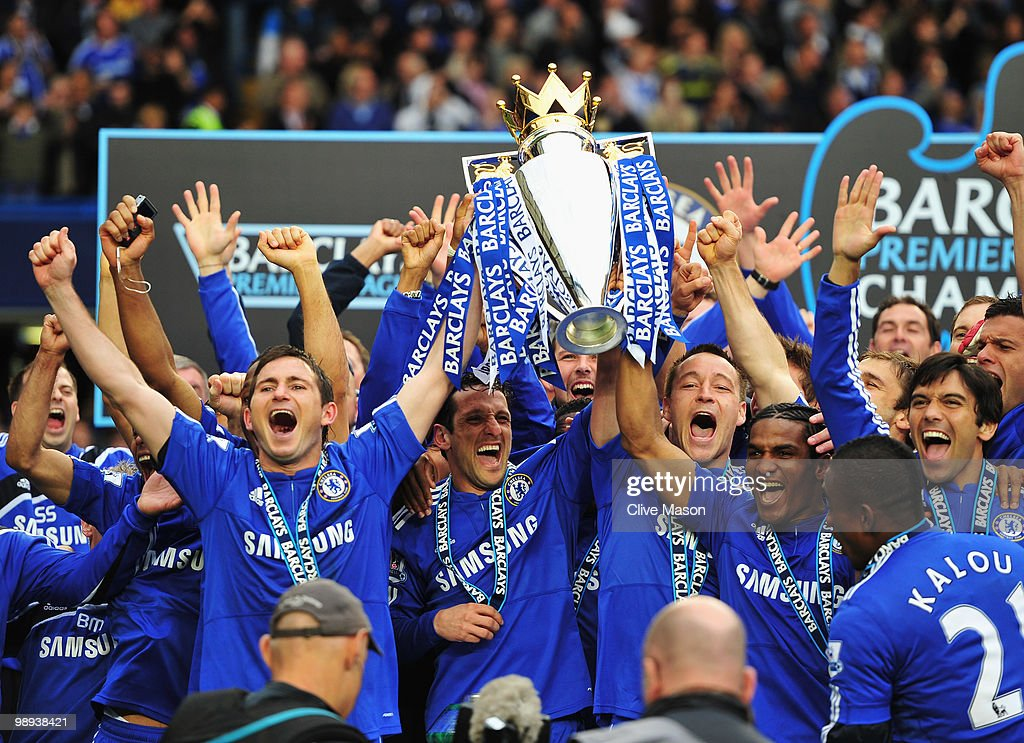 John Terry and Frank Lampard of Chelse lift the trophy after the Barclays Premier League match between Chelsea and Wigan Athletic at Stamford Bridge on May 9, 2010 in London, England. Chelsea won 8-0 to win the title.