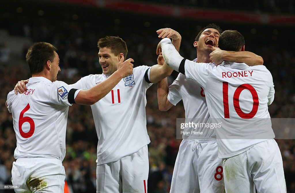 England v Ukraine - FIFA2010 World Cup Qualifier : News Photo
