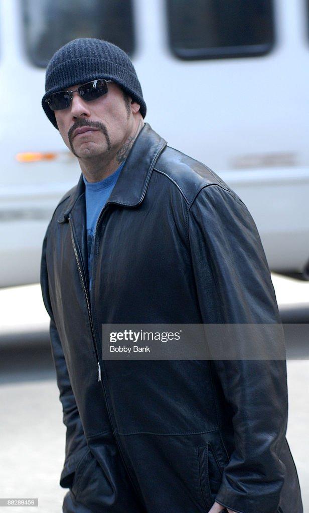 """John Travolta On Location for """"The Taking of Pelham 123"""" - May 6, 2008 : Fotografía de noticias"""