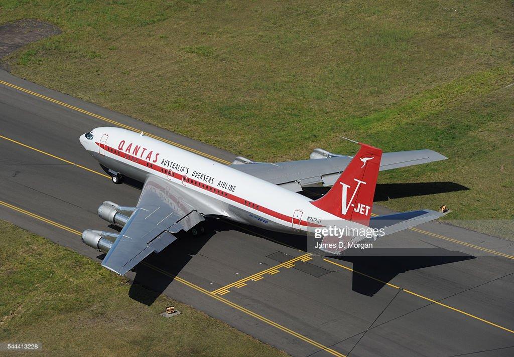 John Travolta S Qantas Boeing 707 On November 18 2010 In Sydney News Photo Getty Images
