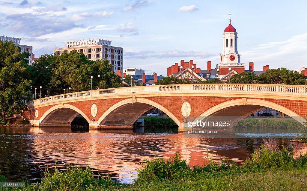 John W. Weeks Bridge, Dunster House, Havard University, Cambridge, Boston, Massachusetts, America : Stock-Foto