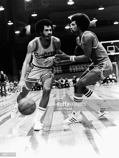 John Warren of the Cleveland Cavaliers drives to the basket during an NBA game circa 1970 in Cleveland Ohio NOTE TO USER User expressly acknowledges...
