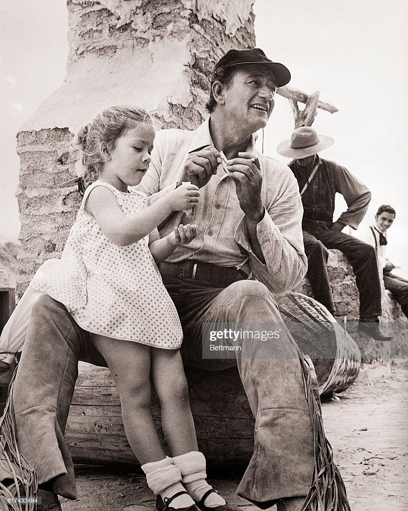 """John Wayne & Daughter On""""The Alamo"""" Set 1959 : News Photo"""