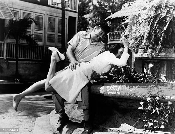 John Wayne spanks Elizabeth Allen in Donovan's Reef