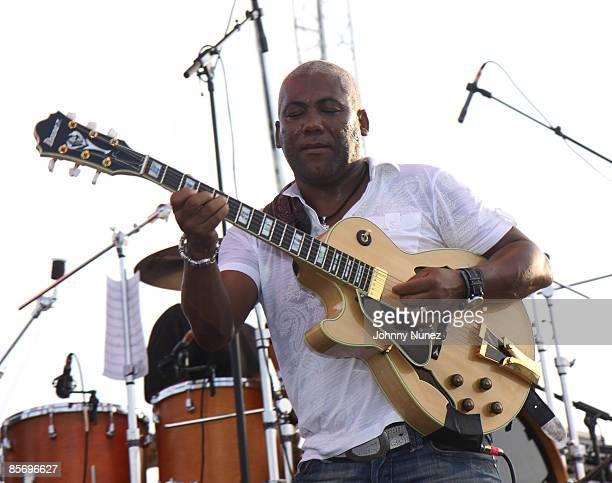 Johnathan Butler performs at the 4th Annual Jazz in the Gardens at Dolphin Stadium on March 28, 2009 in Miami, Florida.