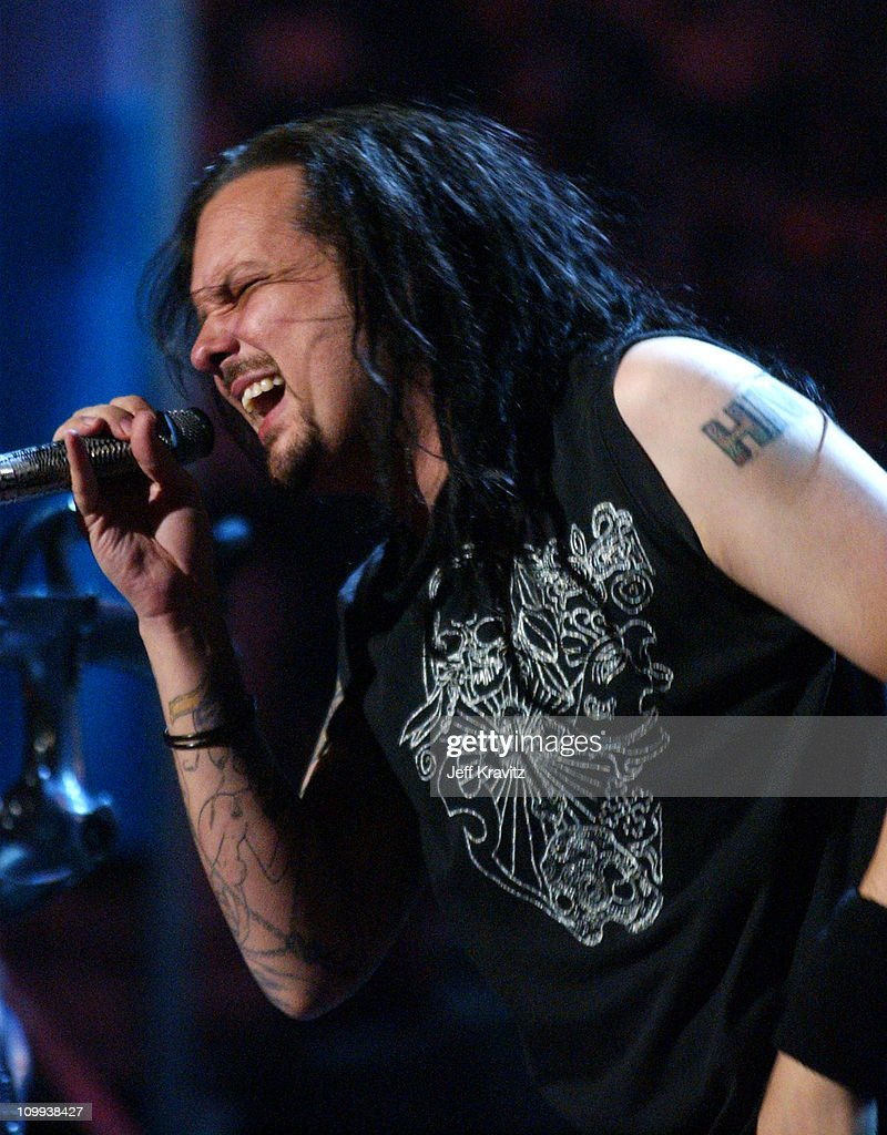 Johnathan Davis of Korn sings Twist/Right Now during MTV Video Music Awards Latin America 2003 - Live Telecast at Jackie Gleason Theater in Miami Beach, Florida, United States.