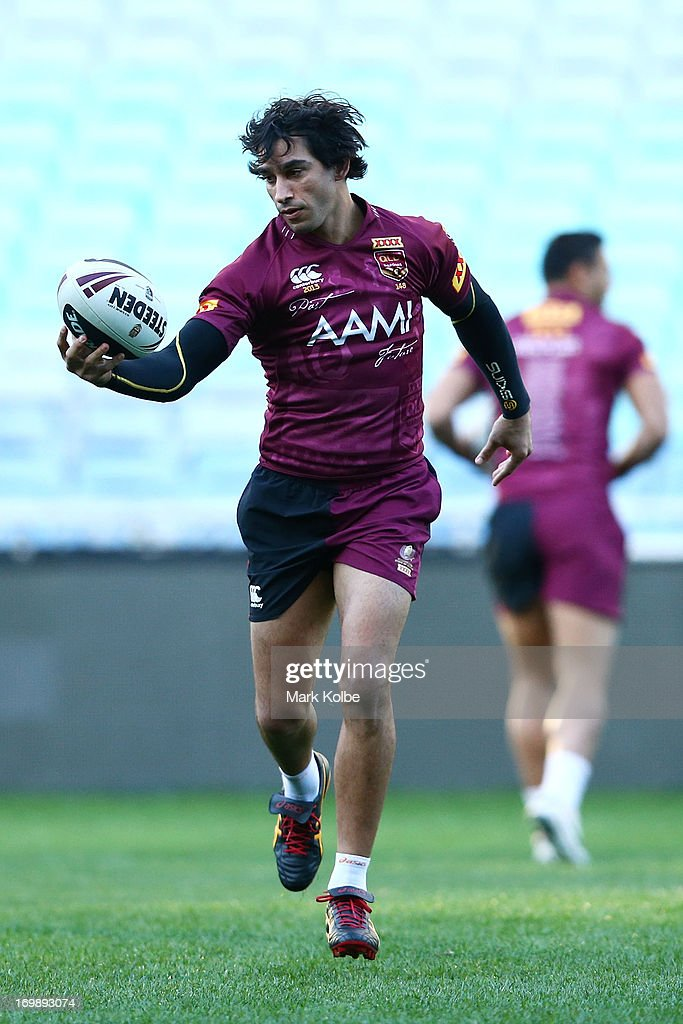 Johnathan Thurston runs with the ball during a Queensland Maroons state of origin training session at ANZ Stadium on June 4, 2013 in Sydney, Australia.