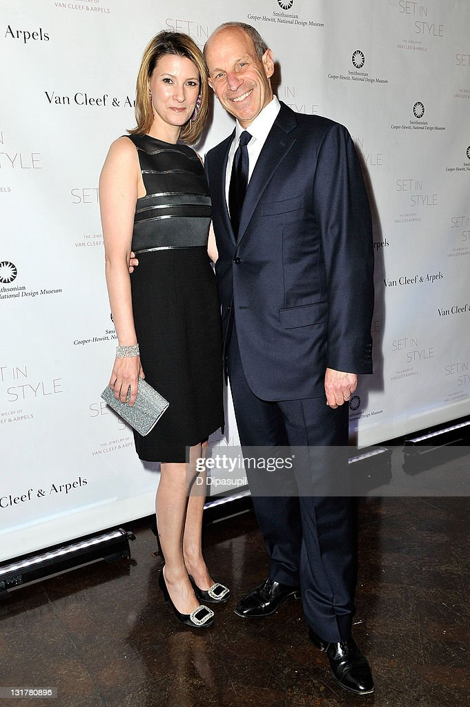 Charmant Perfect Affordable Johnathan Tisch And Wife Lizzie Tisch Attend The Set In  Style The Jewelry Of Van Cleef U With Tische Sthle With Mbel Afrika Style