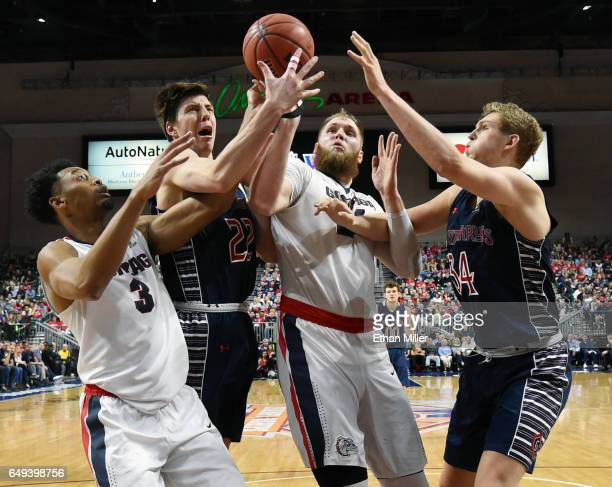 Johnathan Williams of the Gonzaga Bulldogs Dane Pineau of the Saint Mary's Gaels Przemek Karnowski of the Bulldogs and Jock Landale of the Gaels...
