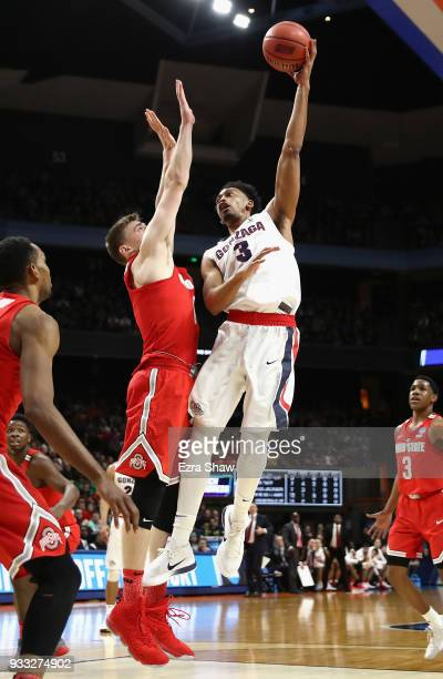 Johnathan Williams of the Gonzaga Bulldogs shoots the ball during the second half against the Ohio State Buckeyes in the second round of the 2018...