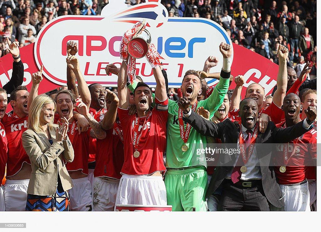 Charlton Athletic v Hartlepool - npower League One : News Photo