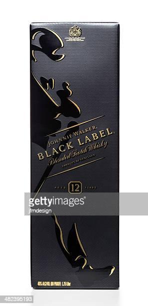 johnnie walker etiqueta negra de vista de frente - johnnie walker whisky fotografías e imágenes de stock