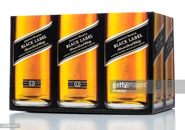 johnnie walker negro etiqueta de - johnnie walker whisky fotografías e imágenes de stock