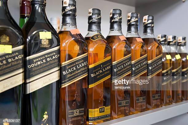 johnnie walker - johnnie walker whisky fotografías e imágenes de stock