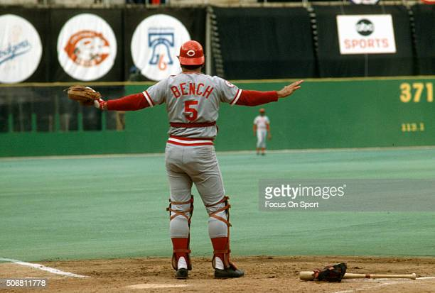 Johnny Bench of the Cincinnati Reds in action against the Philadelphia Phillies during an Major League Baseball game circa 1975 at Veterans Stadium...
