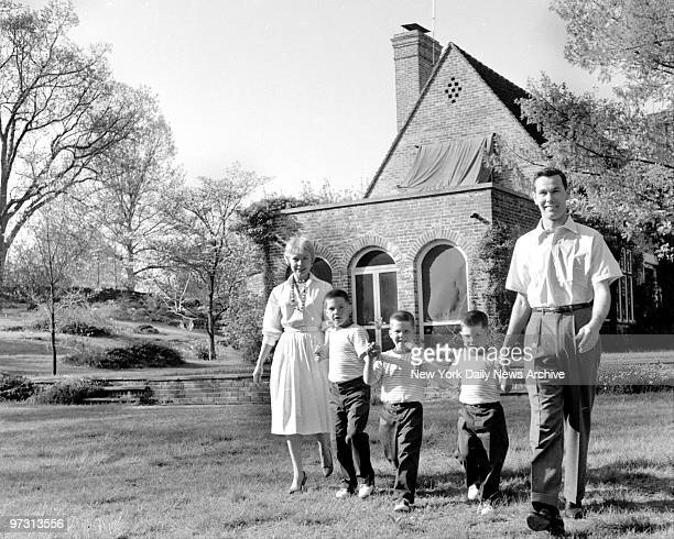 Johnny Carson and his family at his home Birch Hill Estate Winfield Ave Harrison NY Johnny and his wife Jody with their sons Kit Ricky and Cory...