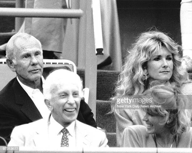 Johnny Carson and his wife Alexis Maas enjoy watching match at US Open Tennis in Flushing