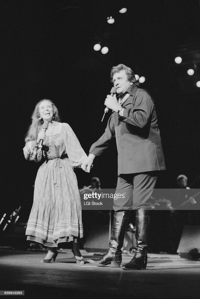 Johnny Cash And June Carter Performing Pictures Getty Images