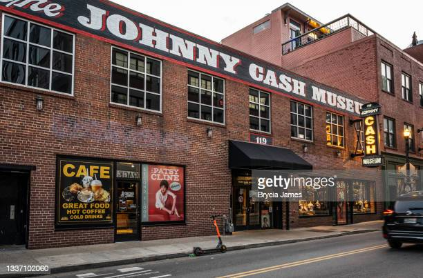 johnny cash museum - brycia james stock pictures, royalty-free photos & images