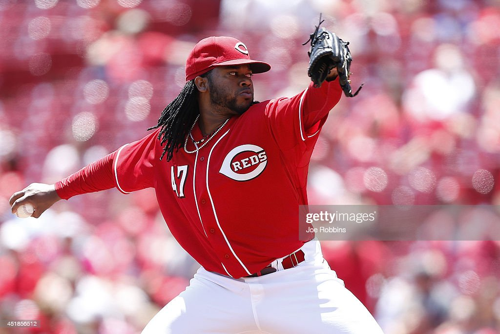 Johnny Cueto #47 of the Cincinnati Reds pitches in the third inning of the game against the Chicago Cubs at Great American Ball Park on July 8, 2014 in Cincinnati, Ohio.