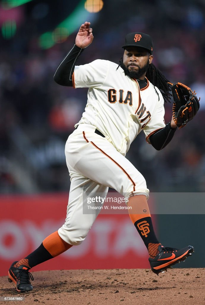 Johnny Cueto #47 of the San Francisco Giants pitches against the Los Angeles Dodgers in the top of the second inning at AT&T Park on April 26, 2017 in San Francisco, California.