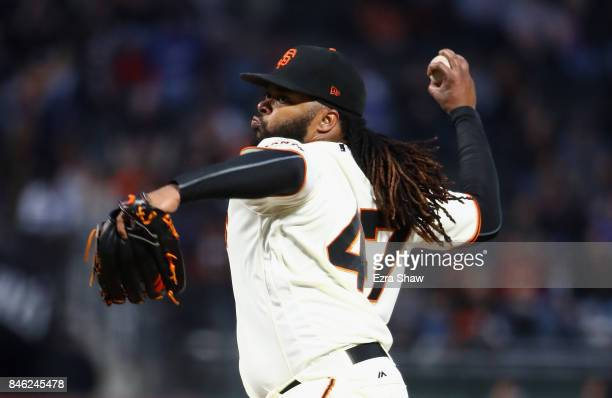 Johnny Cueto of the San Francisco Giants pitches against the Los Angeles Dodgers in the first inning at ATT Park on September 12 2017 in San...